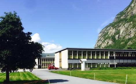 Bilde av Sunndal Videregående før fasadeoppgradering